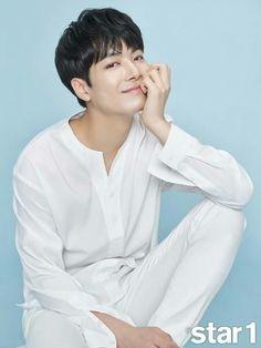 JR (Kim Jonghyun) NUEST