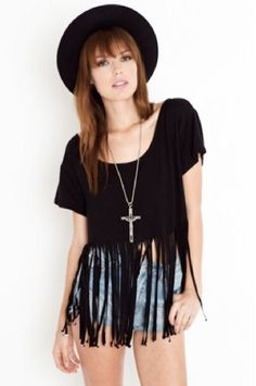 Chic DIY Fringe T Shirt  http://interestingfor.me/chic-diy-fringe-t-shirt/
