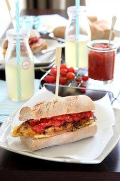 Rántottás szendvics paradicsompesztóval