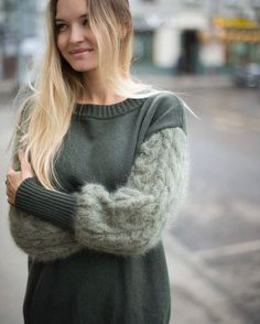 This Pin was discovered by нат Knitwear Fashion, Knit Fashion, Fashion Outfits, Sweater Knitting Patterns, How To Purl Knit, Cable Knit Sweaters, Cardigans For Women, Knit Crochet, My Style