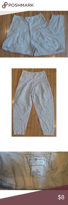 "Maggie Lawrence Sport Collection Boys Beige Pants Maggie Lawrence Sport Collection Boys Beige Pants  Size 18 100% Cotton Waist = 32"" Rise = 15"" Inseam = 29""  Great used condition - no rips, tears, or stains.  Some pilling on inseam. Bottoms Casual"