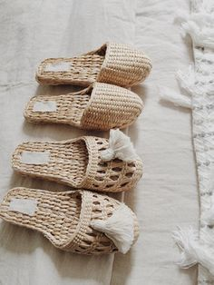 women slippers, for lounging around the house or for visiting house guests. Pairs perfectly with a house dress. House Dress, Womens Slippers, Summer Shoes, Basket Weaving, Street Style Women, Me Too Shoes, Boho Fashion, Fashion Dresses, Wicker