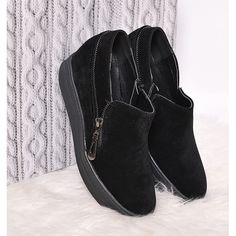 Jarní dámské kotníkové boty na platformě černé barvy - manozo.cz Ankle, Boots, Fashion, Dark Eye Circles, Shearling Boots, Moda, Wall Plug, Fashion Styles, Heeled Boots