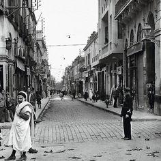 une rue à Alger