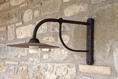 Lampioni: lampione braccio a muro, ferro battuto forgiato a mano Hermitage - Spello - Perugia - Umbria