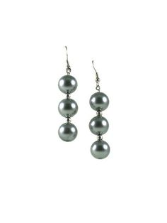 These #GlassPearl earrings are lightweight and hang about 2.5 inches. All of the earrings are made with 12mm glass pearls. They come in 4 color options. #taraelisabethdesigns #Handmade #HandmadeJewelry #Jewelry #FashionJewelry