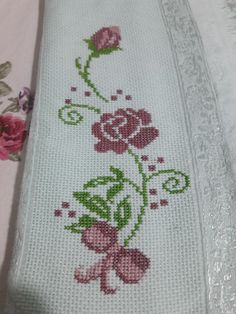 This Pin was discovered by Zey Embroidery Hoop Art, Cross Stitch Embroidery, Cross Stitch Patterns, Crochet Patterns, Crochet Placemats, Crochet Doilies, Crochet Lace, Cross Stitch Rose, Cross Stitch Flowers