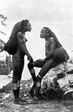 Ngbandi girls with waist-length hair, central Africa, 1905.