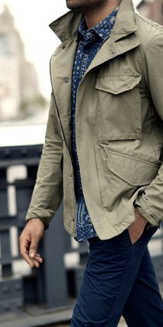 Keep your date night look casual yet polished with our timeless khaki military inspired jacket paired with a button up shirt and dark denim | Banana Republic