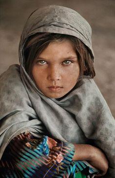 Ghazni, Afghanistan by Steve McCurry #Beautiful Child