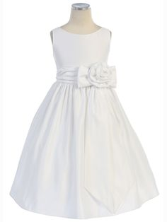 plain bodice with simple gathered skirt and gathered belt