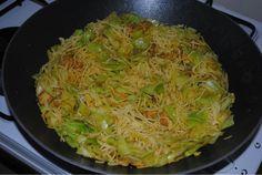 Zoutloos eten? Lekker eten!: Spitskool met biologische kipfilet en mie No Sodium Foods, Low Sodium Recipes, Cabbage, Pasta, Vegetables, Indian, Cabbages, Vegetable Recipes, Brussels Sprouts