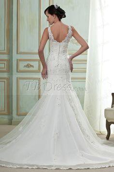 Gorgeous Mermaid/Trumpet V-Neck Chapel Wedding Dress