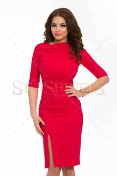 Artista Discreet Look Red Dress