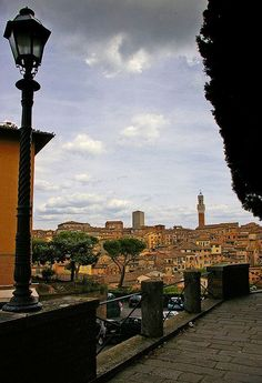 Siena has some amazing sights, but it's not really a hill-top town - and if time is short, you might want to pass it up. Tuscany