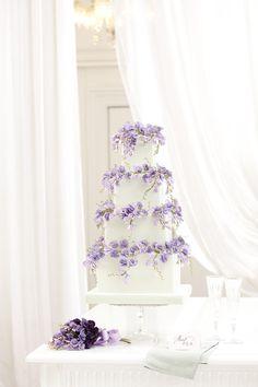 Peggy Porschen 'Sweet Pea' Photography by Georgia Glynn Smith View wedding cake collection www.peggyporschen.com