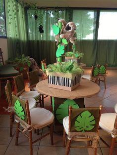 Chá de bebê safari: simplicidade e fofura para a sua festa - Chá de Bebê - EuNenem.com Safari Theme Birthday, Jungle Theme Parties, Wild One Birthday Party, Jungle Party, Dinosaur Birthday Party, Safari Party, Animal Birthday, Baby Party, Baby Shower Themes