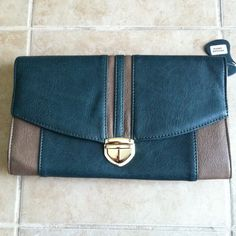 Bnwt Jade Green With Grey Patterned Clutch