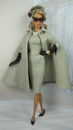 Poivrier for Silkstone Barbie and Victoire Roux on Etsy now Source by KathrinJuleB girl clothes Barbie Style, Chic Chic, Barbie Patterns, Black Barbie, Barbie Dress, Barbie Outfits, Barbie Barbie, Vintage Barbie Dolls, Barbie Collector