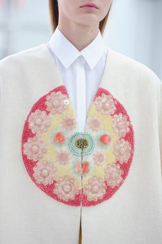 Delpozo Spring 2015 v I love when two whites come together Non Unicolor Matching is my favorite kind of matching