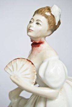 Tattooed Ladies – Porcelain figures by Jessica Harrison