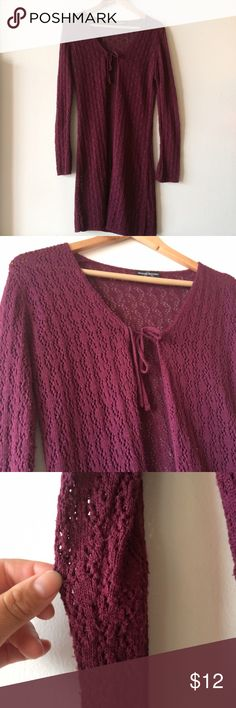 Open Knit Duster Some slight pilling on armpit and sleeves but it still looks great. No size tag but a S/M should be able to fit this Tops