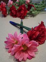 DIY Crafty Flower Pens -we made these last year and they were a hit