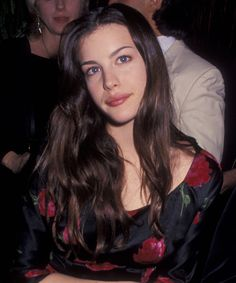 Liv Tyler photographed by Ron Galella at Birthday Party for Mia Tyler on December 17 1994 at Club Rouge in New York City. Liv Tyler Hair, Mia Tyler, Liv Tyler 90s, Thing 1, Bad Hair, Trendy Hairstyles, 1970s Hairstyles, Hair Type, Girl Crushes