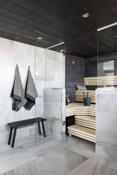 Modern House - Marble Tile - Sauna Design - Steam Room - Home Spa Scandinavian Bathroom, Scandinavian Modern, Saunas, Interior Exterior, Interior Architecture, Sauna Design, Finnish Sauna, Sauna Room, Sauna House