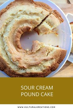 Cream Pound Cake is a traditional pound cake made with sour cream. The addition of the sour cream makes the cake extra moist and flavorful. Köstliche Desserts, Dessert Recipes, Plated Desserts, Sour Cream Cake, Sour Cream Desserts, Moist Sour Cream Pound Cake Recipe, Moist Pound Cakes, 5 Flavor Pound Cake, Pound Cake Icing
