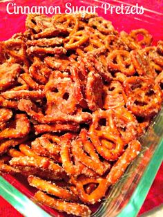 Easy cinnamon sugar pretzels. Warning: They are ADDICTIVE! Makes your whole home smell delicious Delicious Desserts, Yummy Snacks, Snack Recipes, Healthy Snacks, Yummy Food, Appetizer Recipes, Yummy Eats, Easy Recipes, Healthy Dinner Recipes