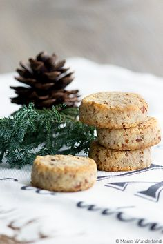 Christmas bakery, the almond coconut cookies Coconut Cookies, No Bake Cookies, Christmas Sweets, Christmas Baking, Christmas Cookies, Christmas Time, Xmas, Cookie Recipes, Snack Recipes