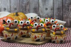 Turkey Cupcakes! Fun Thanksgiving Treat For Kids | Lady and the Blog