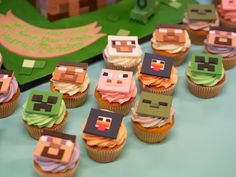 Minecraft Birthday Cake | Minecraft birthday cake and cupcakes | Crumbs Doilies