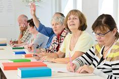 Animation d'ateliers d'écriture seniors dans le 06 : concept, objectifs et déroulement.