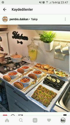 Clean Eating Breakfast, Clean Eating Dinner, Easy Chinese Recipes, Turkish Recipes, Breakfast Platter, Ramadan Recipes, Food Displays, Food Platters, Iftar
