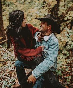 Country Couple Pictures, Cute Country Couples, Cute N Country, Cute Couple Pictures, Cute Couples Goals, Cowboy Family Pictures, Couple Goals, Family Photos, Couple Photoshoot Poses