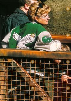 April Princess Diana at Alton Towers Theme Park, Staffordshire, West Midlands. Photo By:dave Chancellor-alpha-Globe Photos, Inc Princess Diana Photos, Princes Diana, Princess Of Wales, Eagles Jacket, Perfect Wife, Park Photos, Lady Diana, Queen Of Hearts, Most Beautiful Women