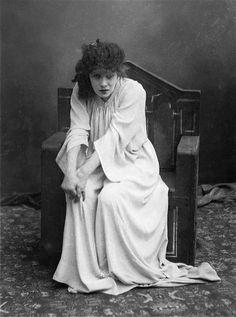 Félix Nadar, Sarah Bernhardt, Lady Macbeth, 1884