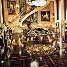 Gatsby's mansion from baz luhrman's The Great Gatsby, 2003. Production Design Catherine Martin. Art Direction Damien Drew, Ian Gracie, Michael Turner. Set Decoration Beverley Dunn.