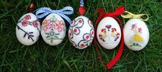 Tutorial Tuesday:  Embroidered Easter Eggs (the easy way)