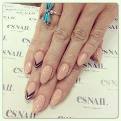Beige base w chevron nails ;)