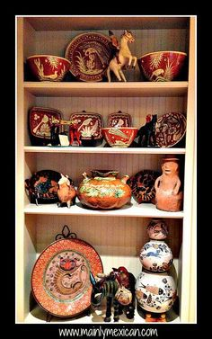 Mexican style home in USA - to add to your Mexican folk art collection from the USA, visit www. Mexican Style Decor, Mexican Style Homes, Southwest Decor, Southwest Style, Mexican Ceramics, Mexico Culture, Mexican Designs, Mexican Folk Art, Victoria's Kitchen