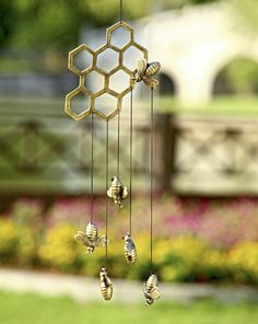 This bee hanger is perfect