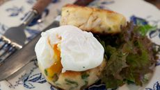 Crispy on the outside, soft and buttery inside, these boxty-style potato cakes are delicious. Leftover chicken is used in this receipe, and though not strictly a boxty ingredient, it works really well. Christmas Starters, Welsh Recipes, Seasoned Potatoes, Cottage Pie, Potato Cakes, English Food, Poached Eggs, Potato Recipes, Real Food Recipes