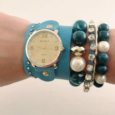 Relógio com Couro Azul.    www.relogiosdadora.com.br
