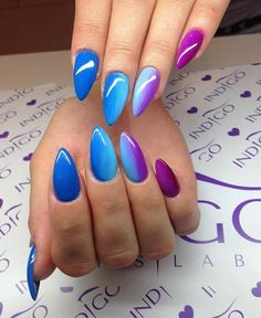 Spitzen Tipps, nicht meine Art von Stil, leben aber das Farbenspiel Tips tips, not my style, but live the play of colors of colors Blue Gel Nails, Glitter Nails, Neon Purple Nails, Colourful Nails, Gorgeous Nails, Pretty Nails, Acrylic Nail Designs, Nail Art Designs, Nagellack Design