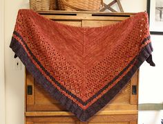 Ravelry: Copper Cove pattern by Laura Aylor 12 ply 720 yards m) Knitted Shawls, Crochet Shawl, Knit Crochet, Shawl Patterns, Knitting Patterns, Crochet Patterns, Yarn Projects, Lace Knitting, So Little Time