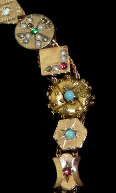 I really, really, really love this!!! antique jewelry