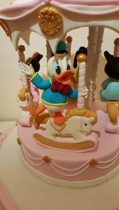 Paperino Birthday Cake, Disney, Desserts, Food, Tailgate Desserts, Birthday Cakes, Deserts, Meals, Dessert